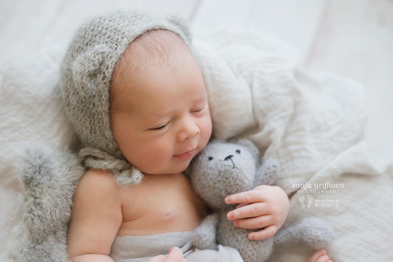 Aaron-Newborn-Brisbane-Newborn-Photographer-Sonja-Griffioen-09.jpg