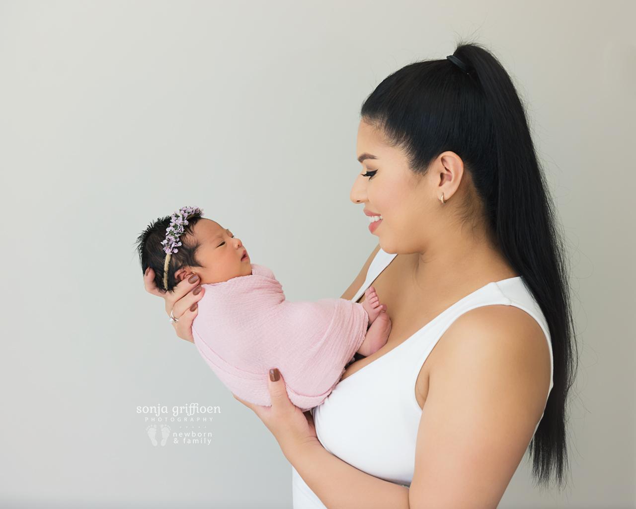 Adelina-Newborn-Brisbane-Newborn-Photographer-Sonja-Griffioen-11.jpg