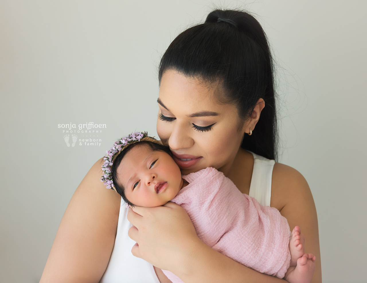Adelina-Newborn-Brisbane-Newborn-Photographer-Sonja-Griffioen-15.jpg