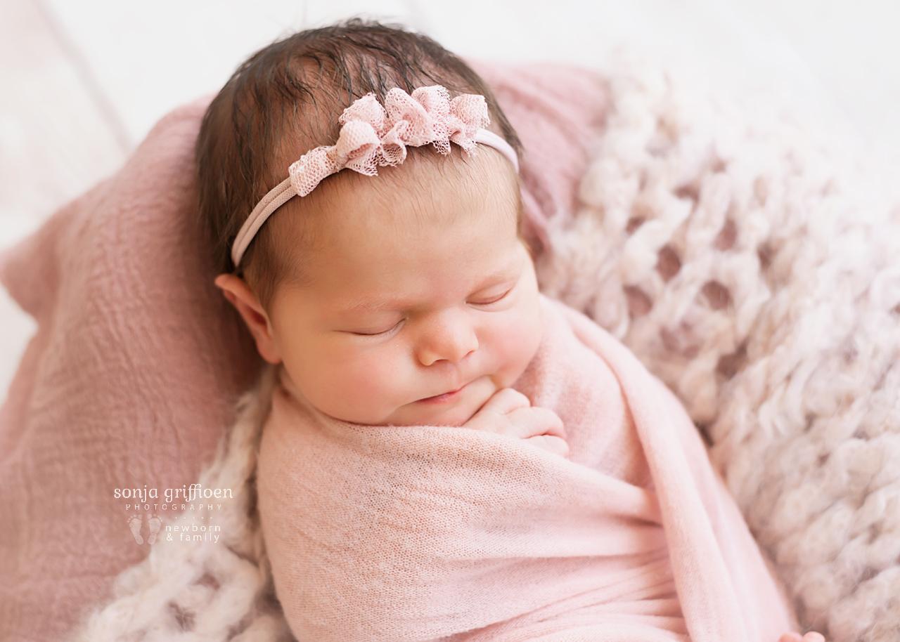 Alessia-Newborn-Brisbane-Newborn-Photographer-Sonja-Griffioen-07.jpg
