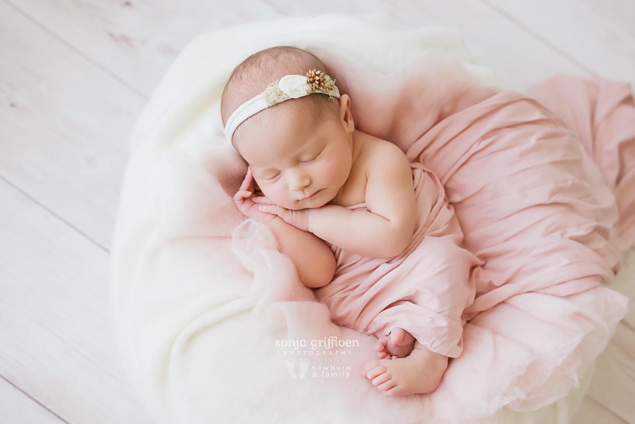 Alira-Newborn-Brisbane-Newborn-Photographer-Sonja-Griffioen-04.jpg
