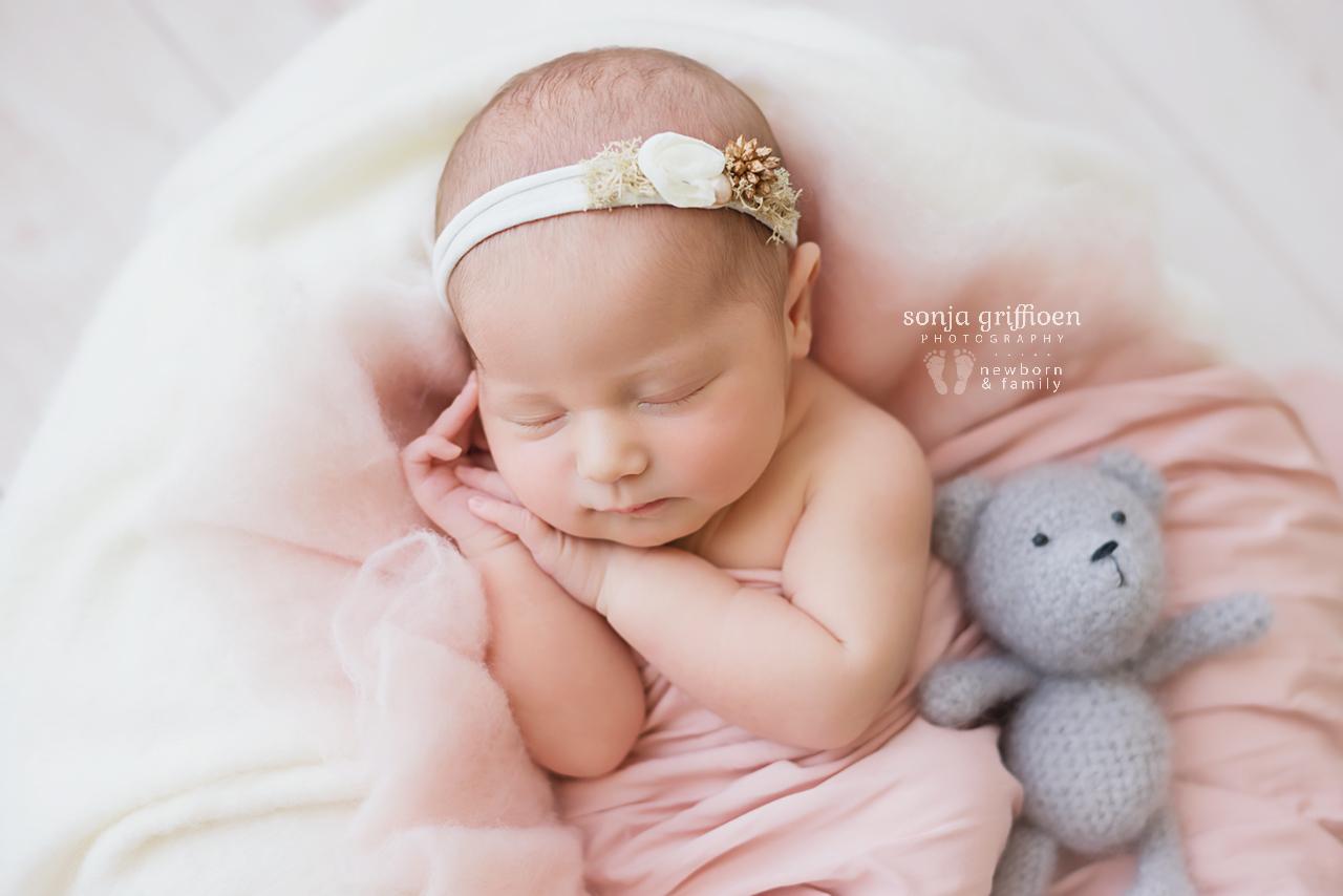 Alira-Newborn-Brisbane-Newborn-Photographer-Sonja-Griffioen-05.jpg