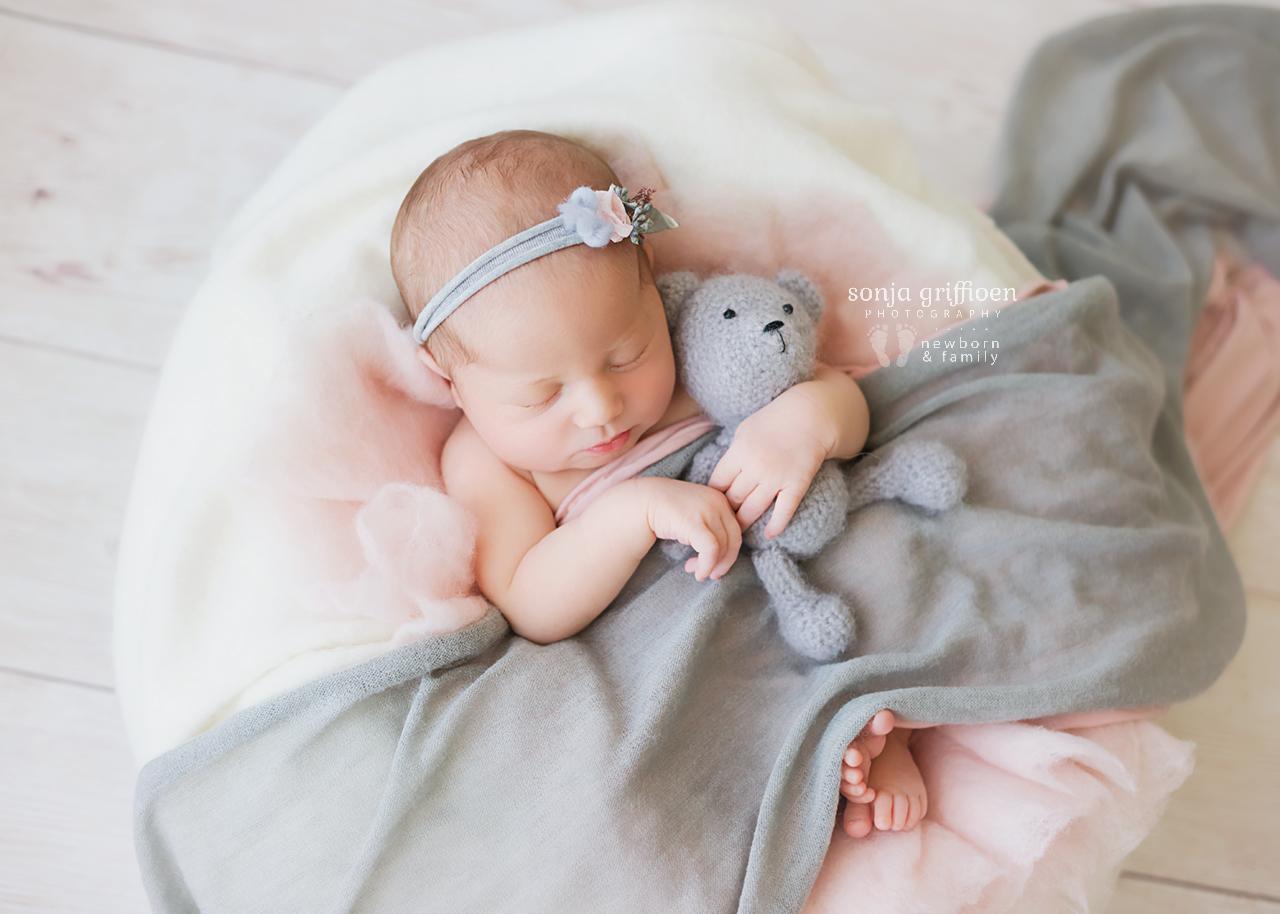 Alira-Newborn-Brisbane-Newborn-Photographer-Sonja-Griffioen-06.jpg