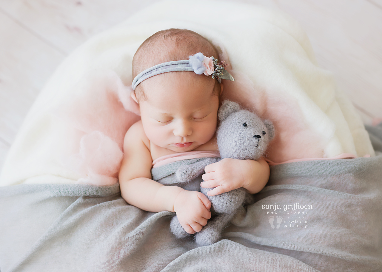 Alira-Newborn-Brisbane-Newborn-Photographer-Sonja-Griffioen-07.jpg