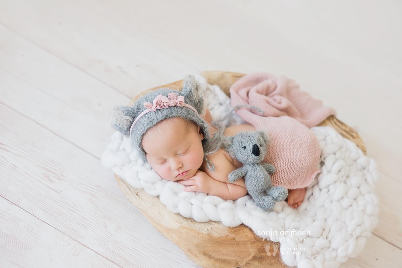 Alira-Newborn-Brisbane-Newborn-Photographer-Sonja-Griffioen-16.jpg
