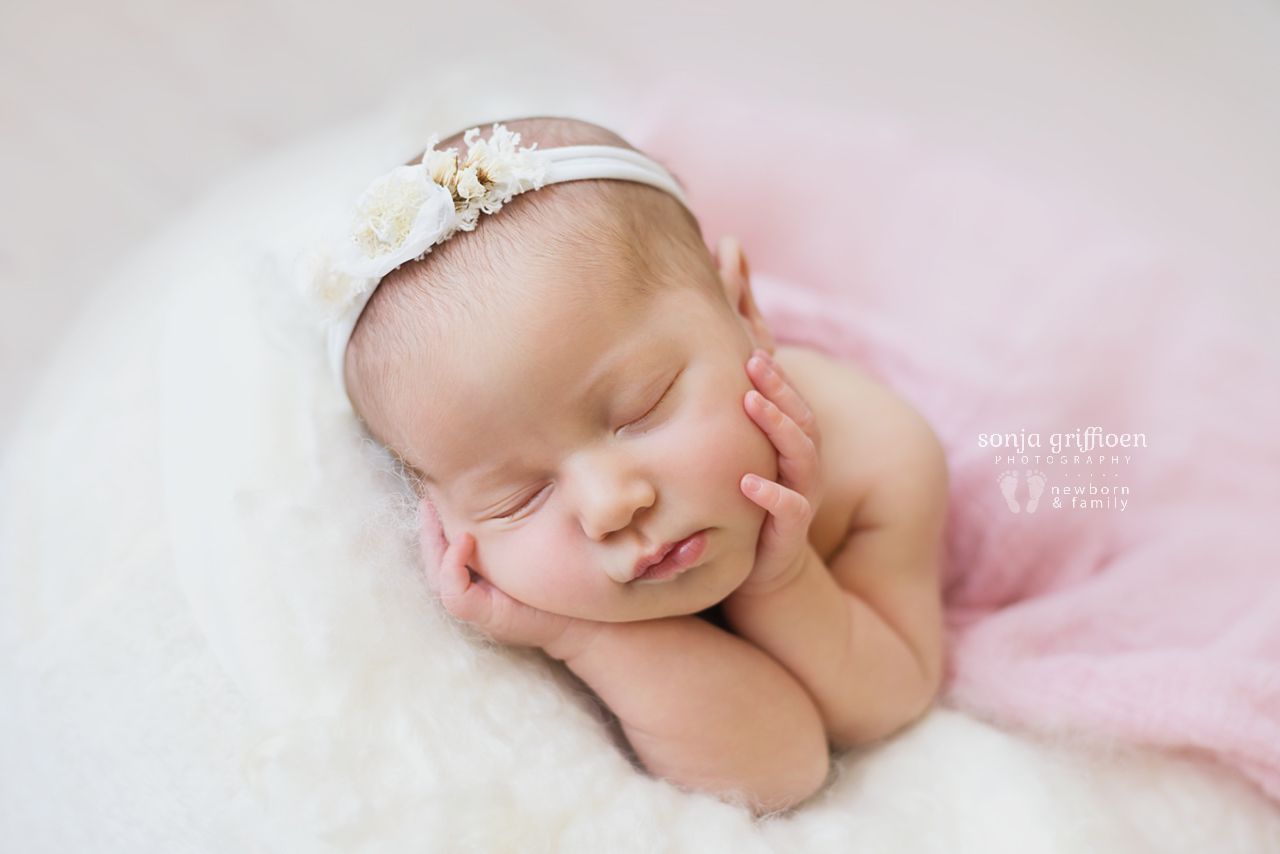 Alira-Newborn-Brisbane-Newborn-Photographer-Sonja-Griffioen-22.jpg