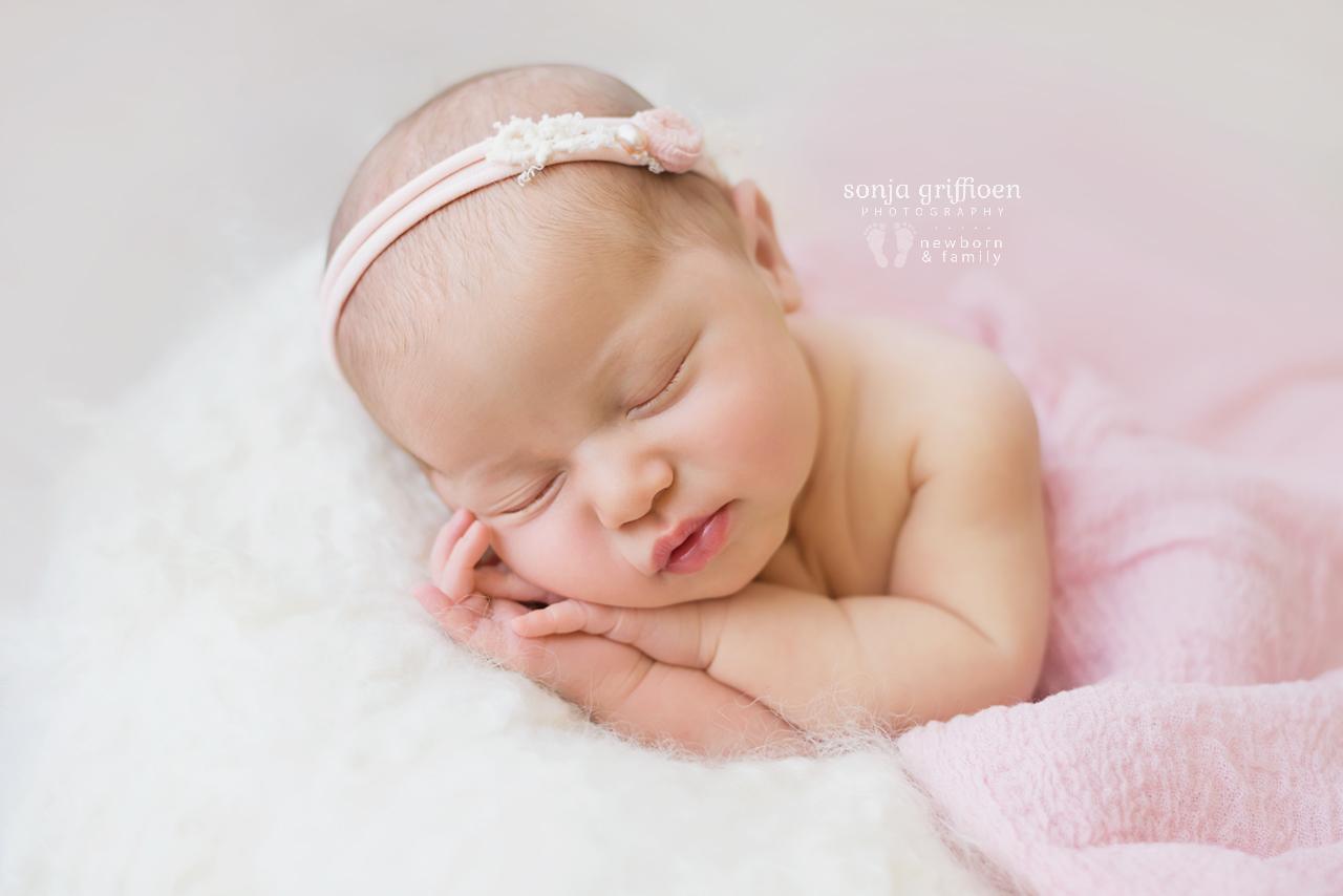 Alira-Newborn-Brisbane-Newborn-Photographer-Sonja-Griffioen-23.jpg