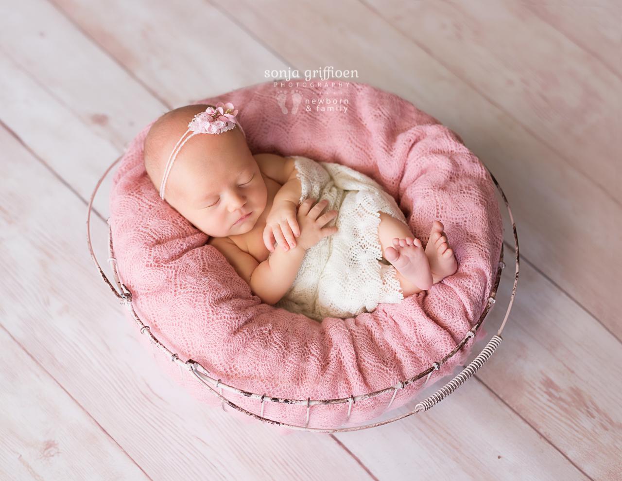 Amelia-Newborn-Brisbane-Newborn-Photographer-Sonja-Griffioen-23.jpg