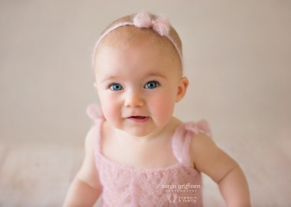 Brisbane sitter session, older babies, baby photography, Milestone sessions, Brisbane baby photos, baby photography