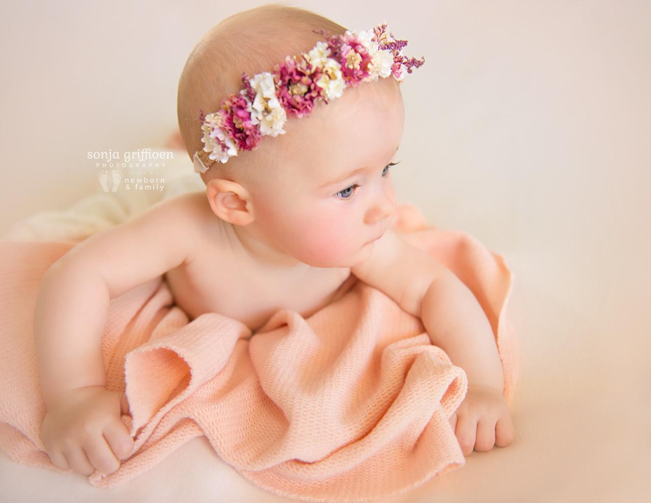 Amelia-Sitter-Brisbane-Newborn-Photographer-Sonja-Griffioen-08.jpg