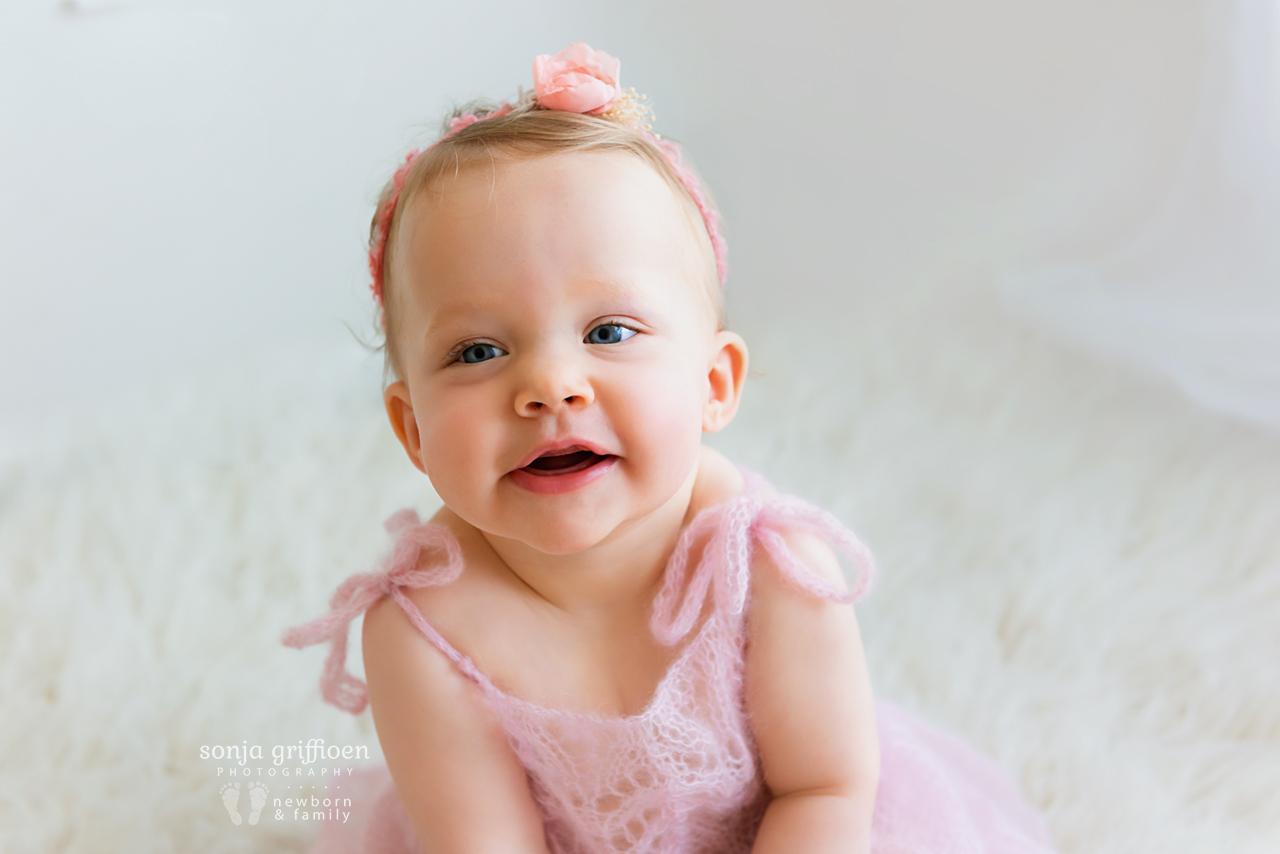 Arabella-Milestone-Brisbane-Newborn-Photographer-Sonja-Griffioen-24.jpg