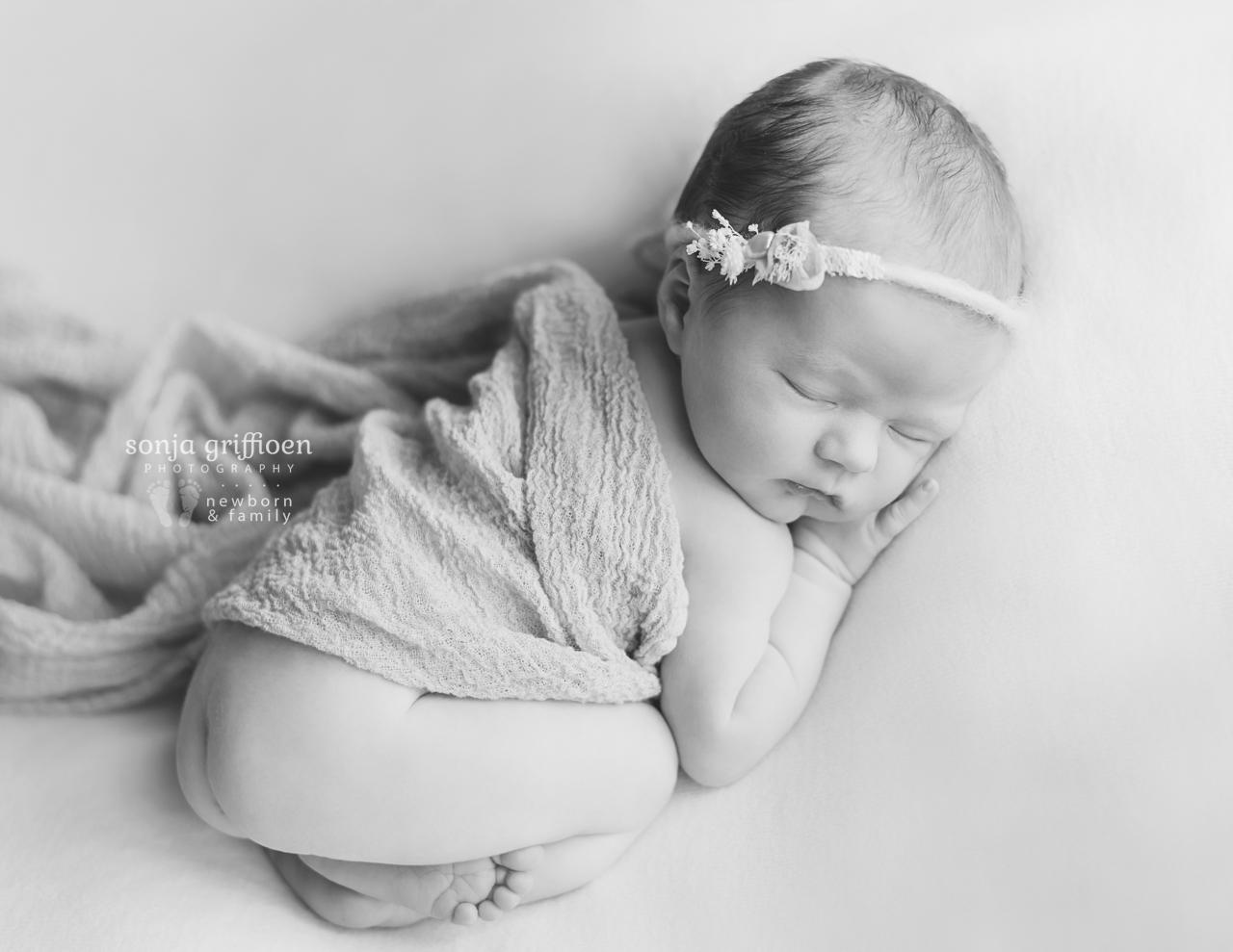 Asher-Newborn-Brisbane-Newborn-Photographer-Sonja-Griffioen-07bw.jpg