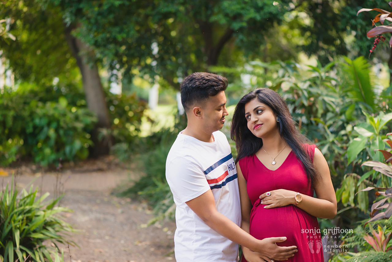 Aswini-Maternity-Brisbane-Newborn-Photographer-Sonja-Griffioen-06.jpg