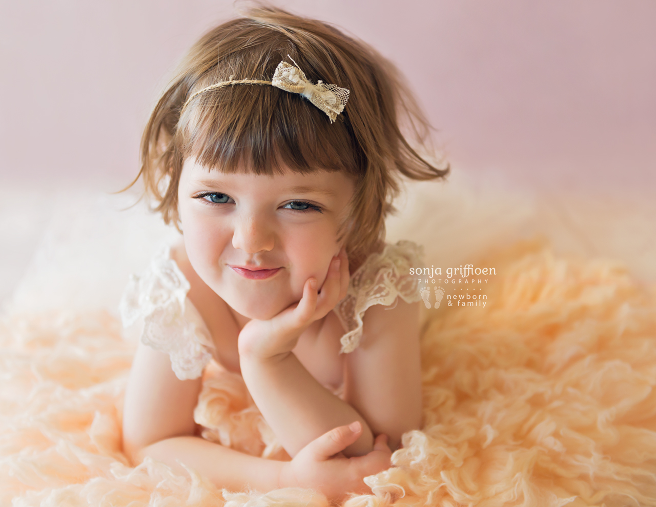Bonnie-3-years-Brisbane-baby-child-photographer-Sonja-Griffioen-04.jpg