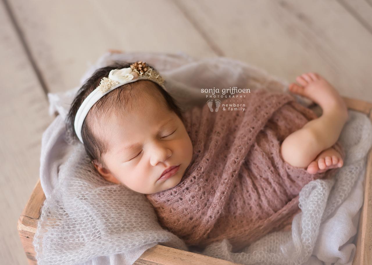 Caoimbe-Newborn-Brisbane-Newborn-Photographer-Sonja-Griffioen-11.jpg