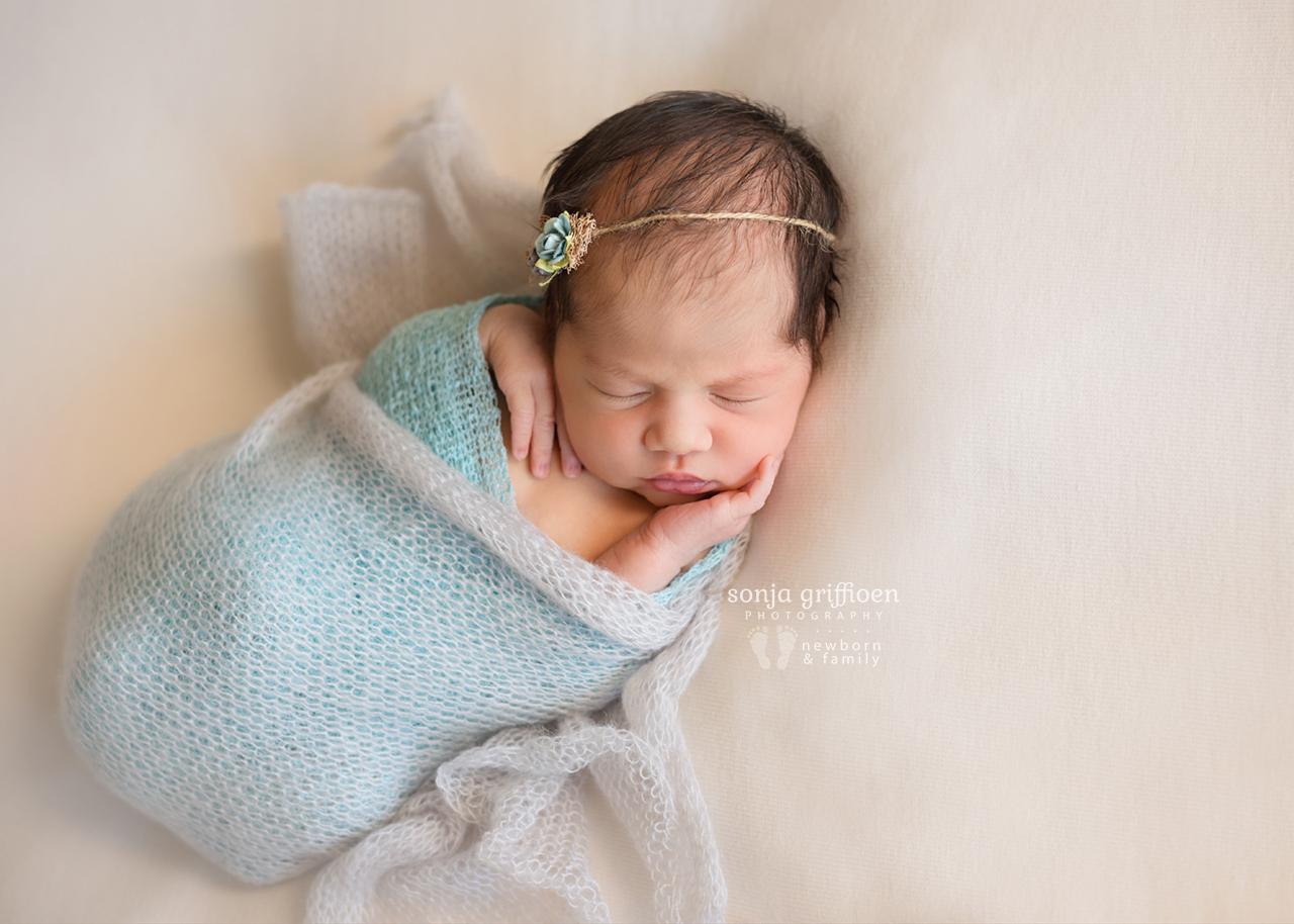 Caoimbe-Newborn-Brisbane-Newborn-Photographer-Sonja-Griffioen-14.jpg