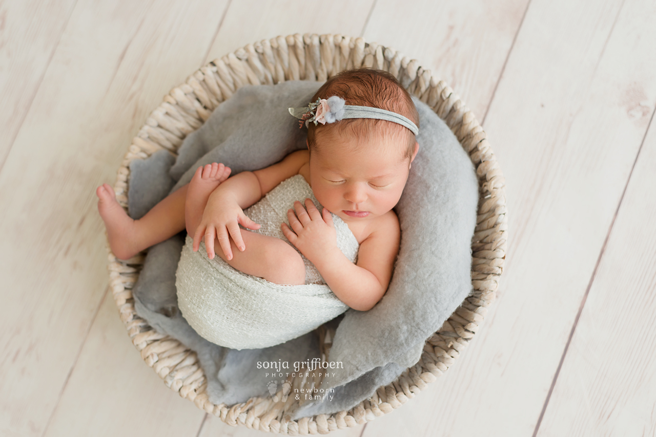 Charlotte-Newborn-Brisbane-Newborn-Photographer-Sonja-Griffioen-06.jpg