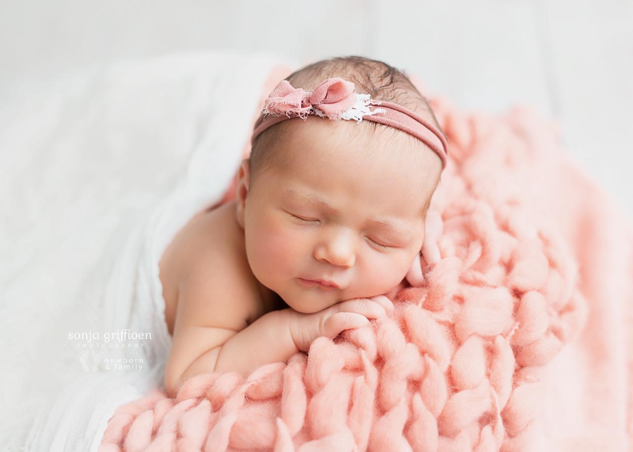 Chloe-Newborn-Brisbane-Newborn-Photographer-Sonja-Griffioen-13.jpg