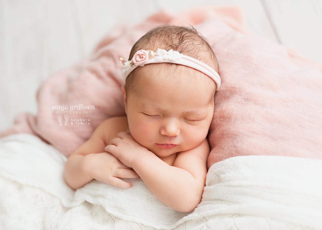 Chloe-Newborn-Brisbane-Newborn-Photographer-Sonja-Griffioen-16.jpg