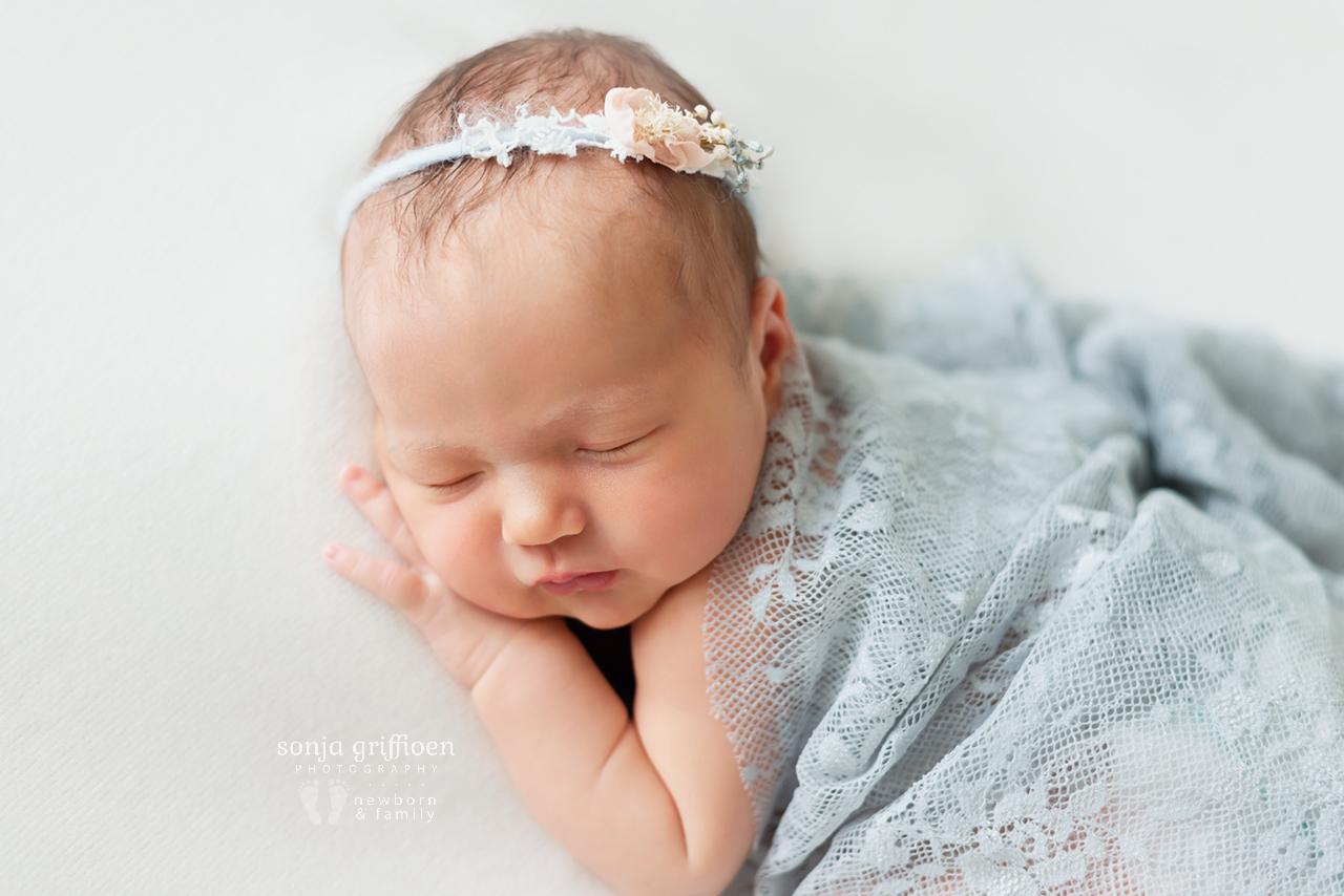 Chloe-Newborn-Brisbane-Newborn-Photographer-Sonja-Griffioen-17.jpg