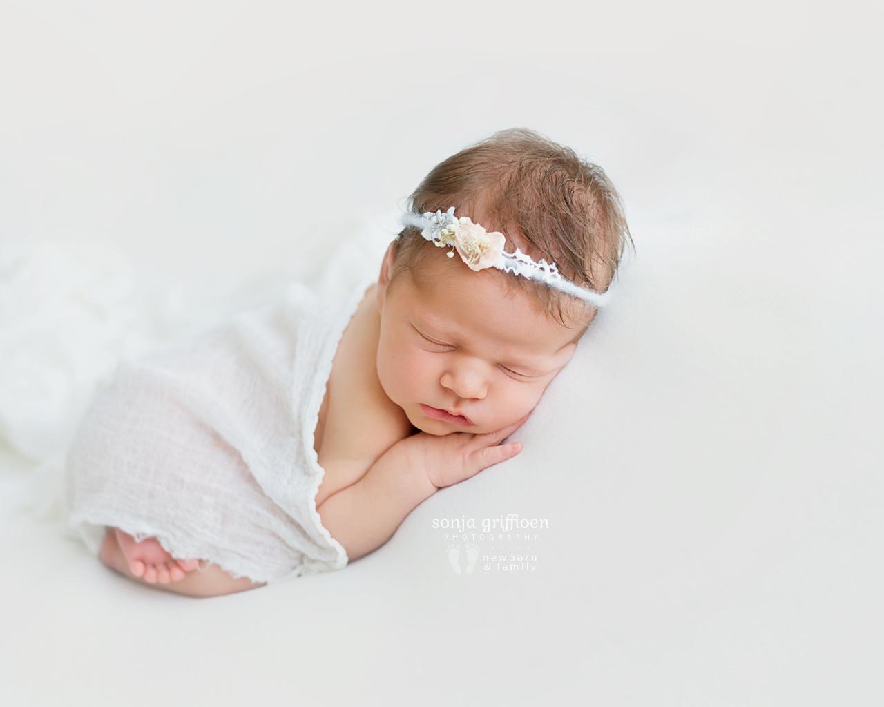 Cleo-Newborn-Brisbane-Newborn-Photographer-Sonja-Griffioen-17.jpg