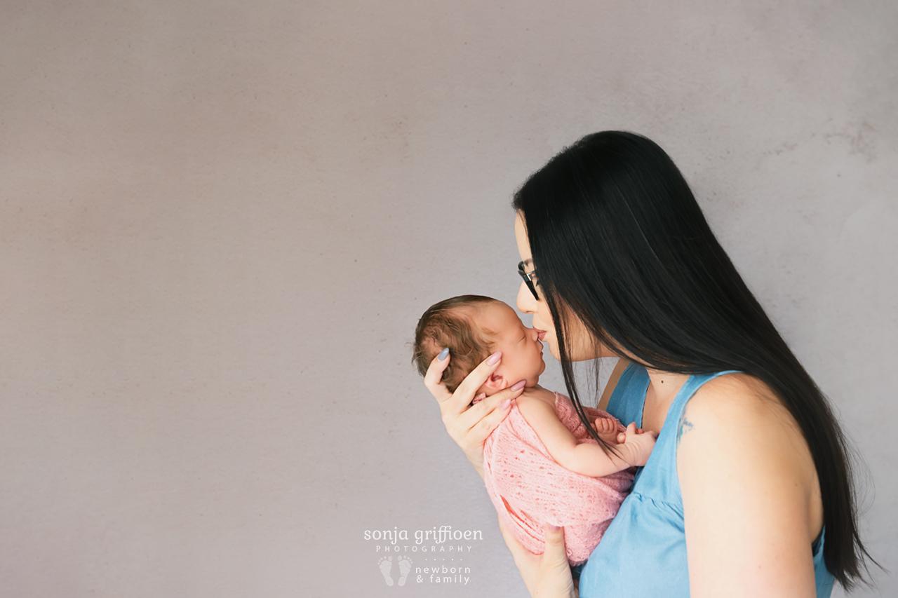 Delilah-Newborn-Brisbane-Newborn-Photographer-Sonja-Griffioen-03.jpg