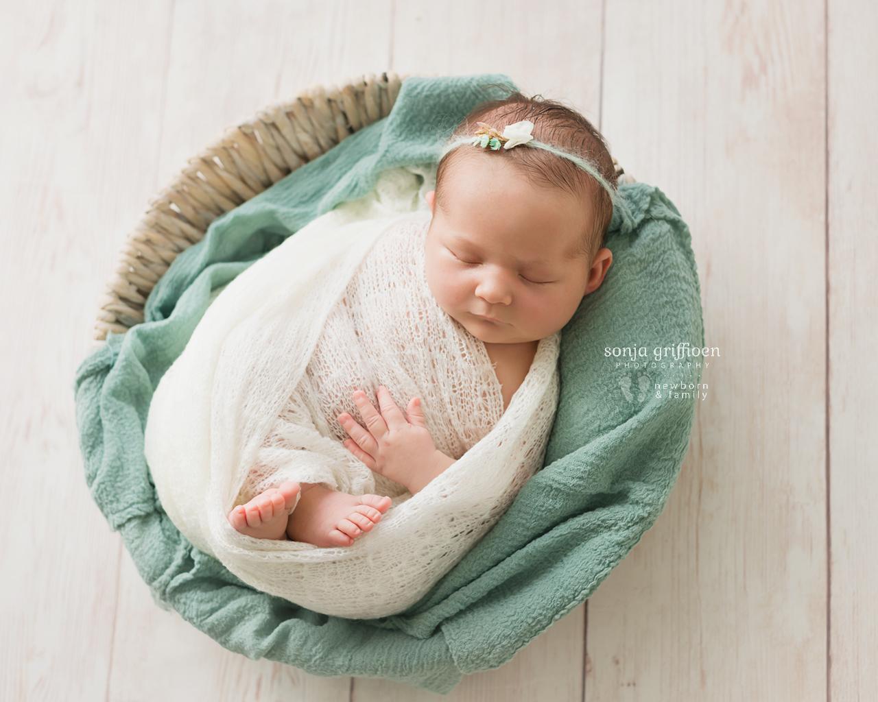 Elsi-Newborn-Brisbane-Newborn-Photographer-Sonja-Griffioen-03.jpg