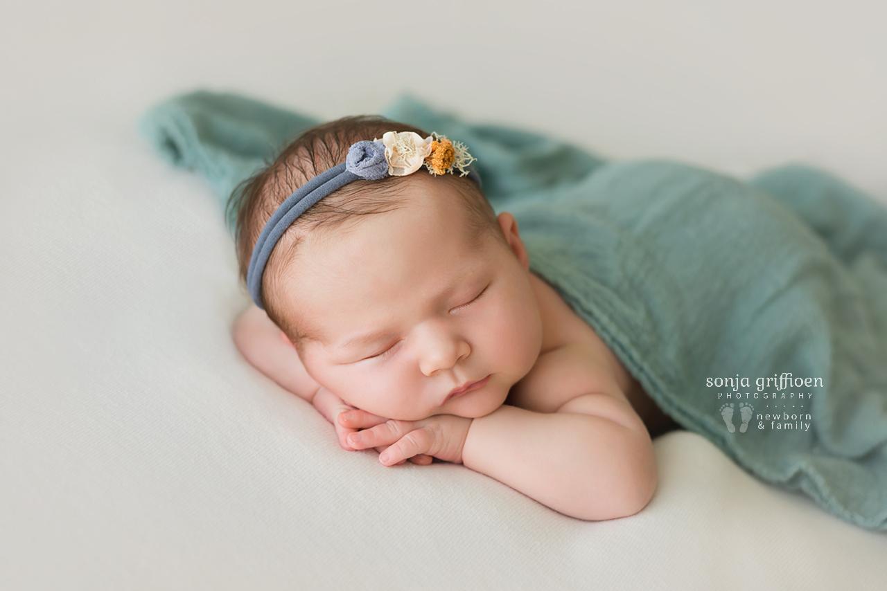Elsi-Newborn-Brisbane-Newborn-Photographer-Sonja-Griffioen-15.jpg