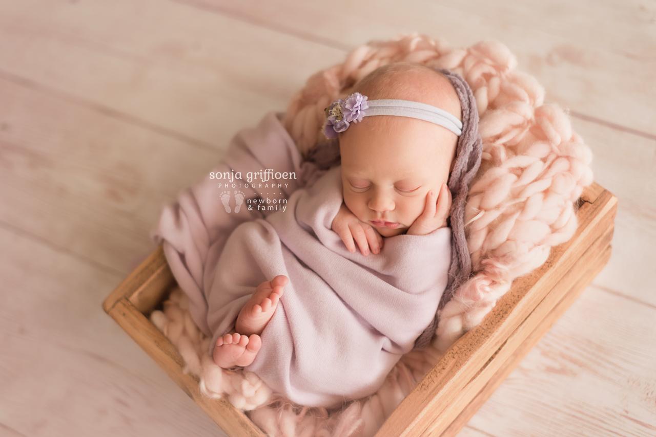 Elsie-Newborn-Brisbane-Newborn-Photographer-Sonja-Griffioen-01.jpg