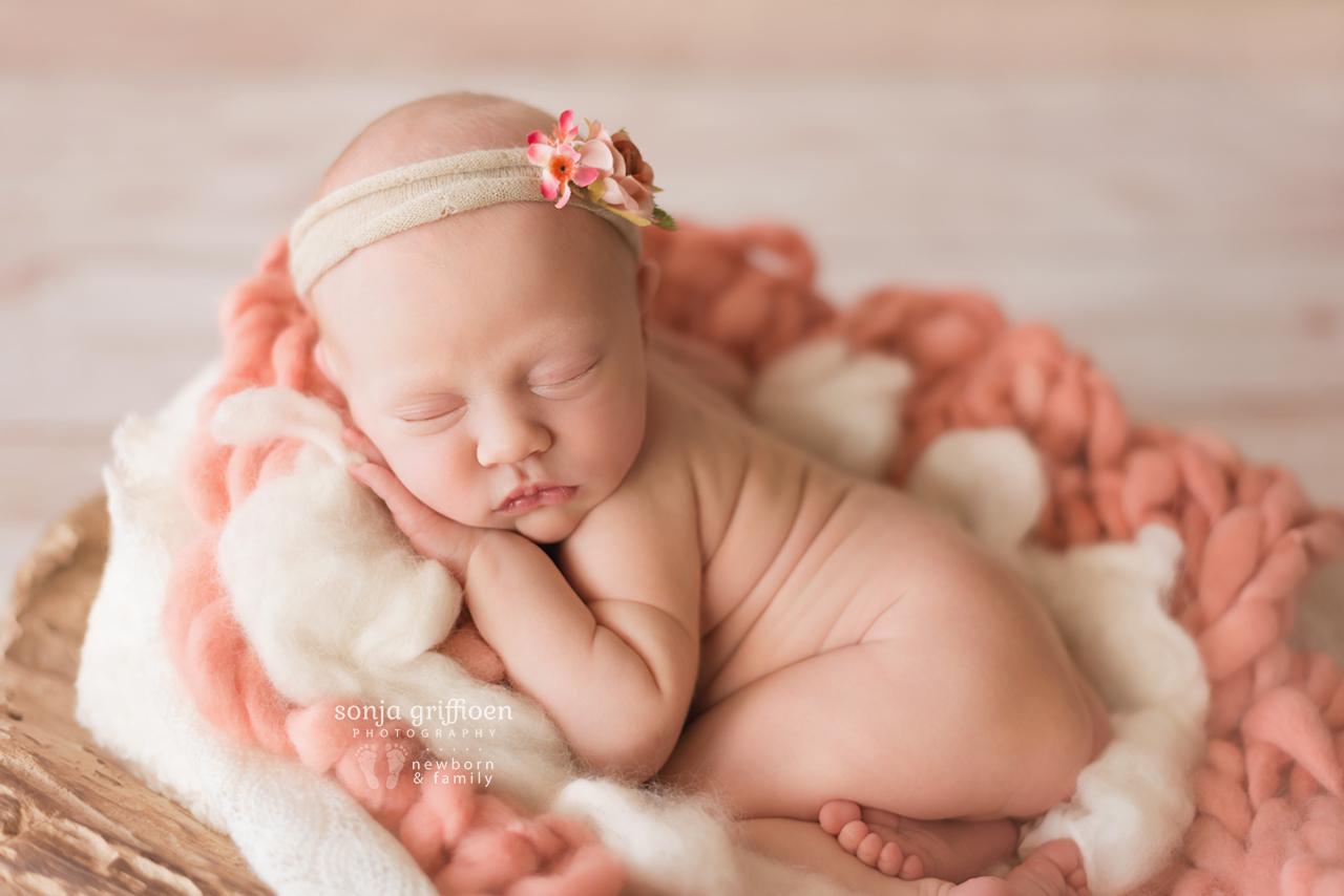 Elsie-Newborn-Brisbane-Newborn-Photographer-Sonja-Griffioen-04.jpg