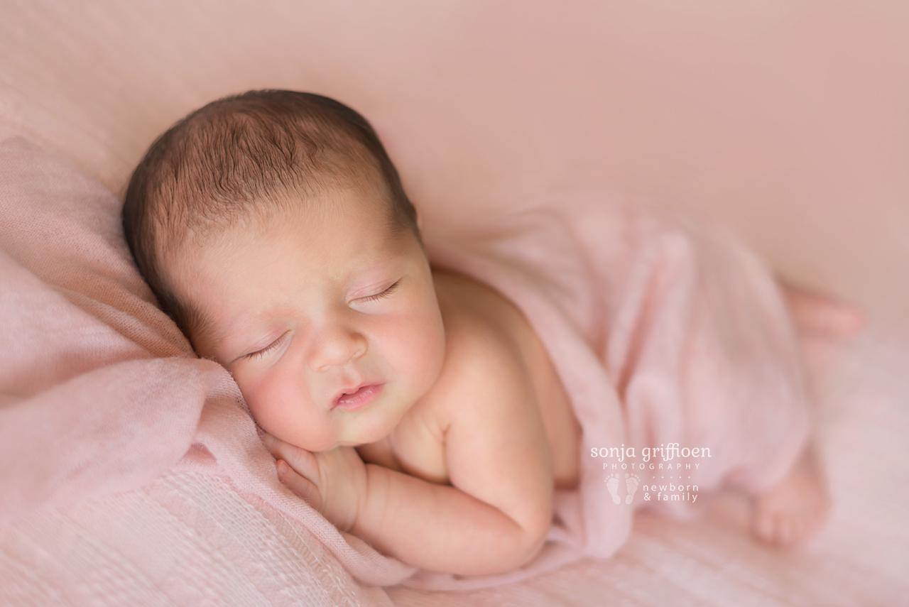 Emma-Newborn-Brisbane-Newborn-Photographer-Sonja-Griffioen-01.jpg