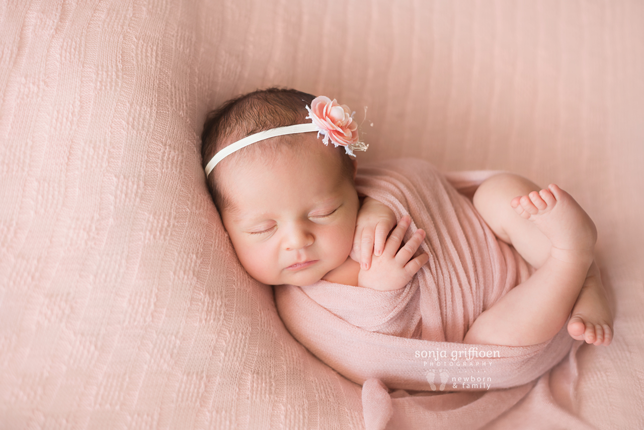 Emma-Newborn-Brisbane-Newborn-Photographer-Sonja-Griffioen-11.jpg