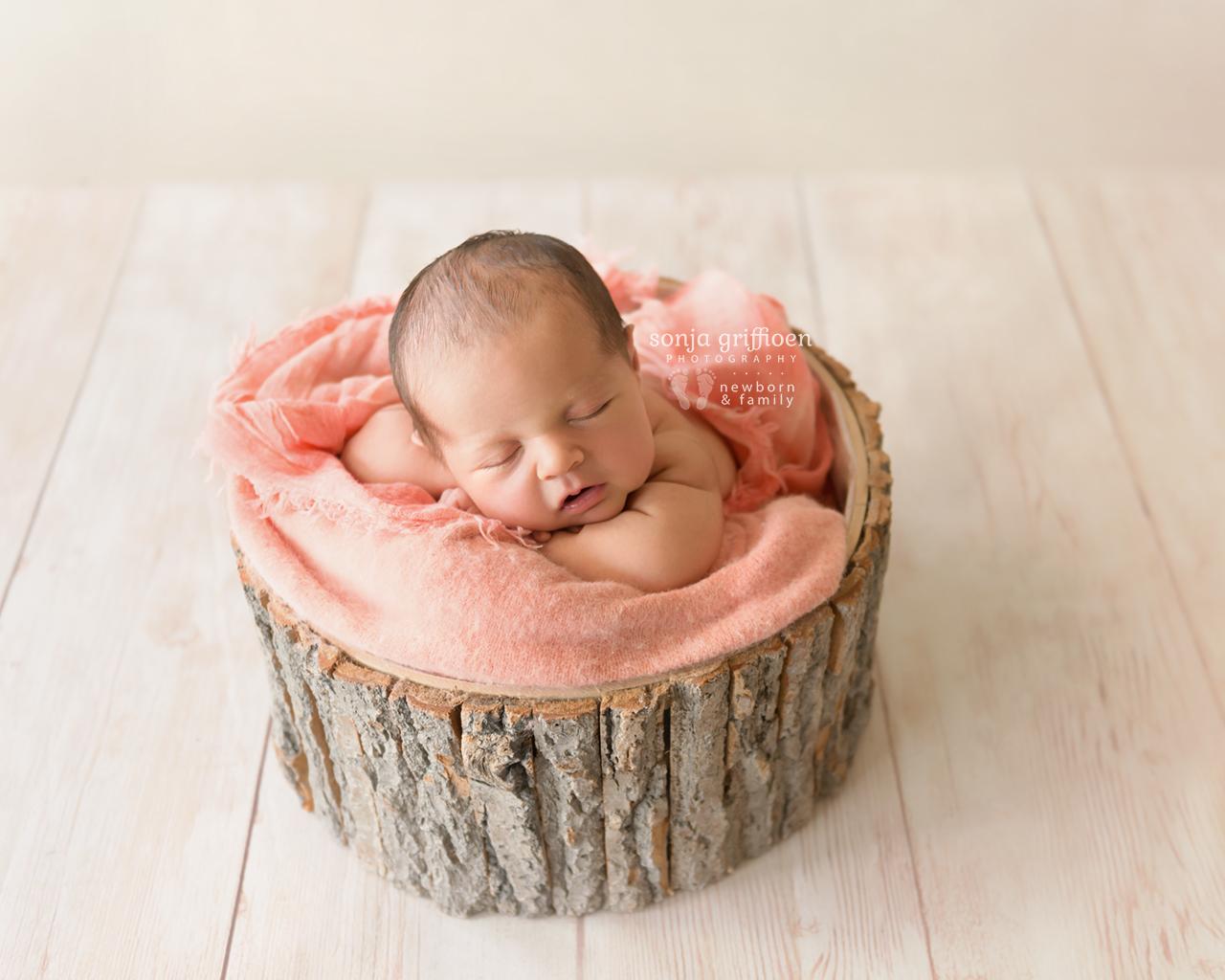 Emma-Newborn-Brisbane-Newborn-Photographer-Sonja-Griffioen-12.jpg