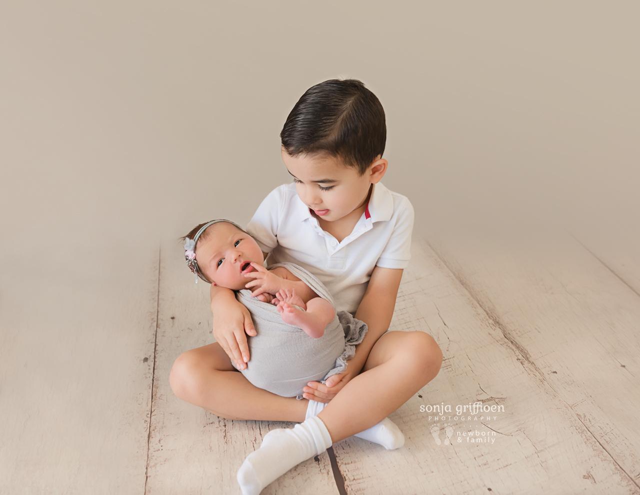 Estella-Newborn-Brisbane-Newborn-Photographer-Sonja-Griffioen-07.jpg