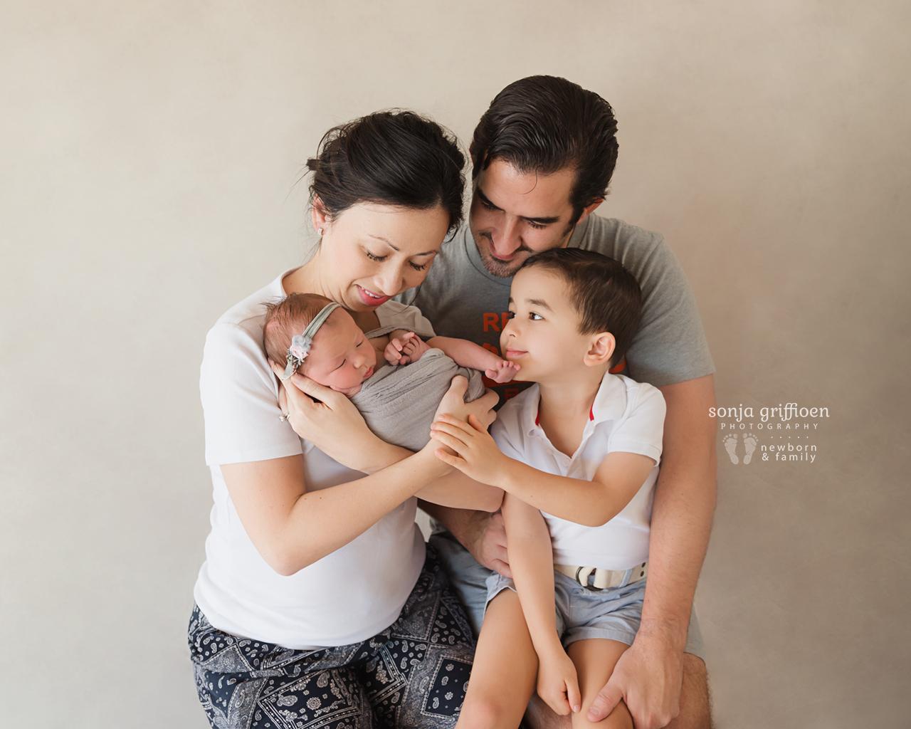 Estella-Newborn-Brisbane-Newborn-Photographer-Sonja-Griffioen-09.jpg