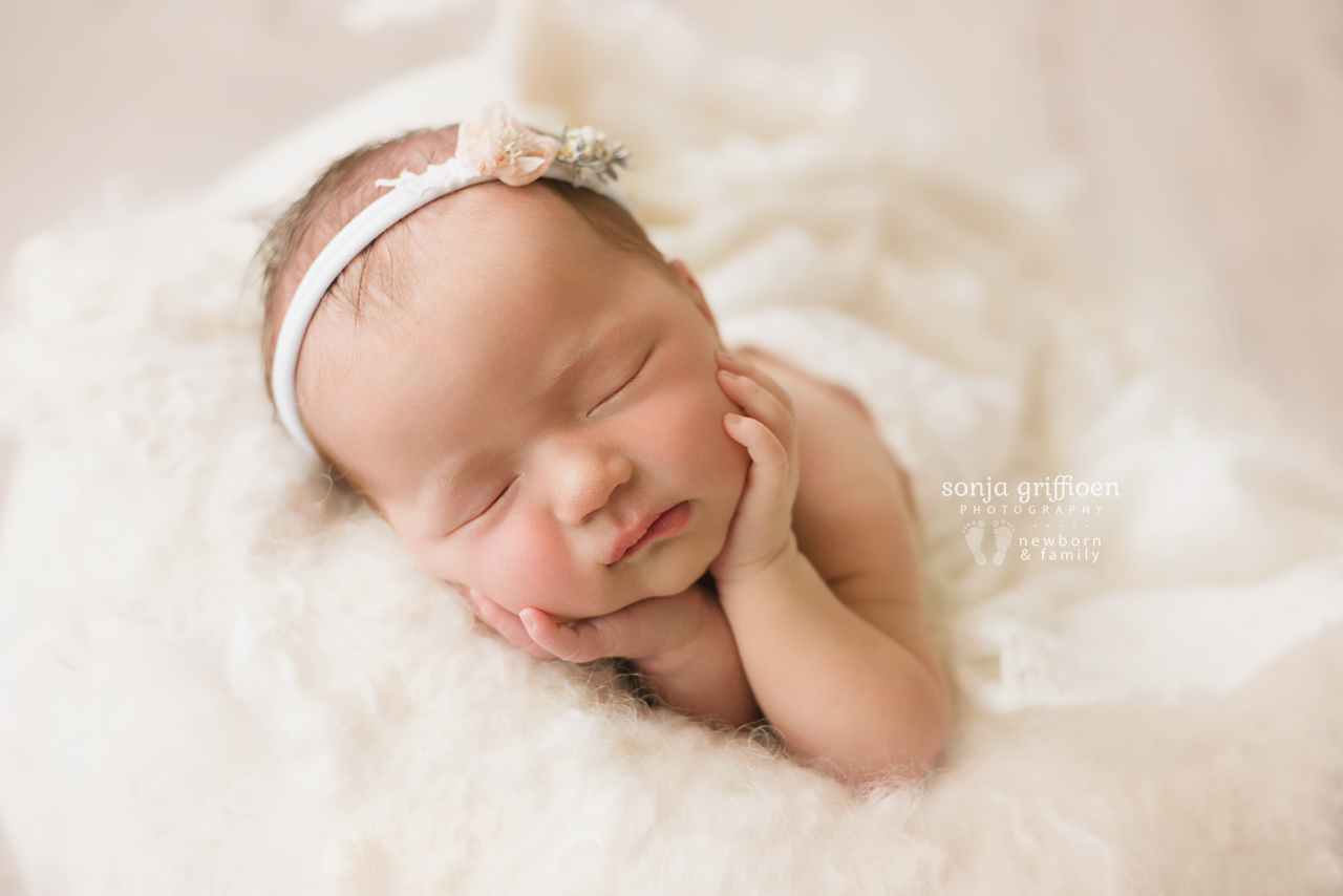 Estella-Newborn-Brisbane-Newborn-Photographer-Sonja-Griffioen-36.jpg