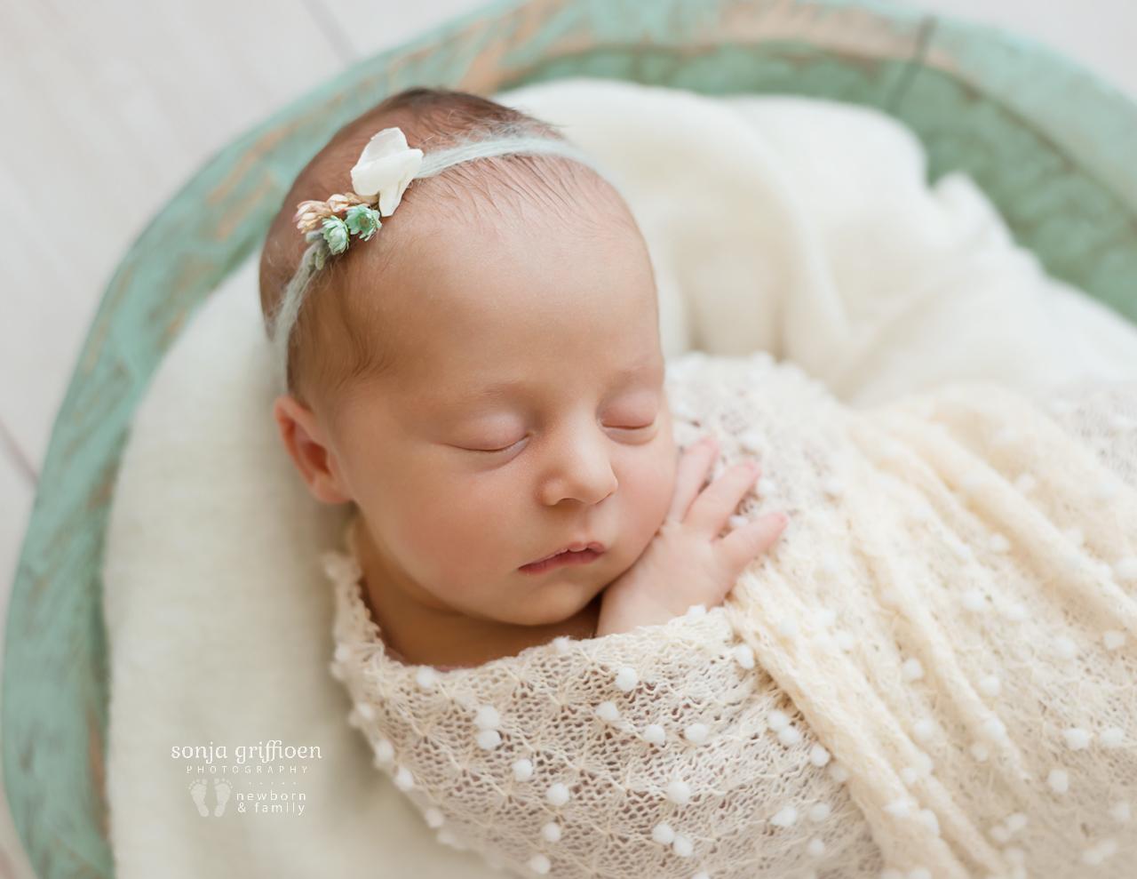 Everlyn-Newborn-Brisbane-Newborn-Photographer-Sonja-Griffioen-11.jpg