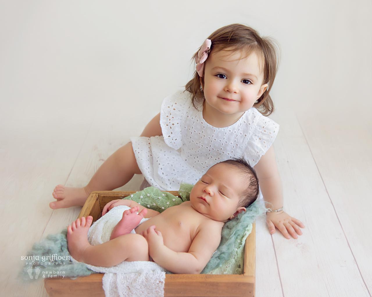 George-Newborn-Brisbane-Newborn-Photographer-Sonja-Griffioen-06.jpg