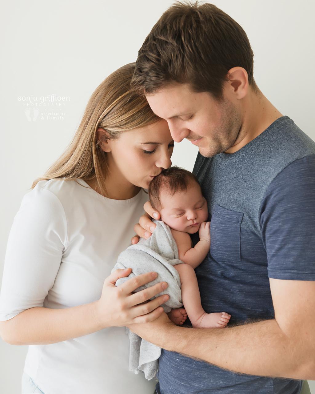 Gwen-Newborn-Brisbane-Newborn-Photographer-Sonja-Griffioen-03.jpg