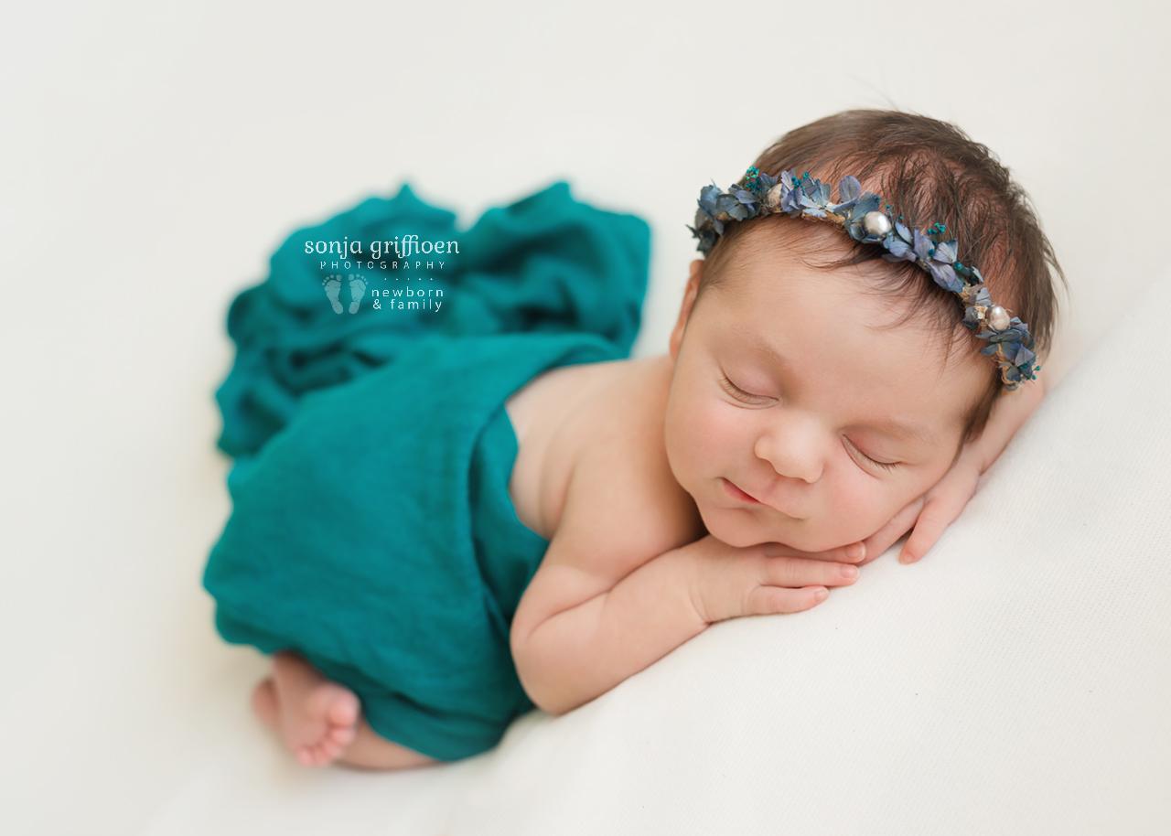Gwen-Newborn-Brisbane-Newborn-Photographer-Sonja-Griffioen-06.jpg