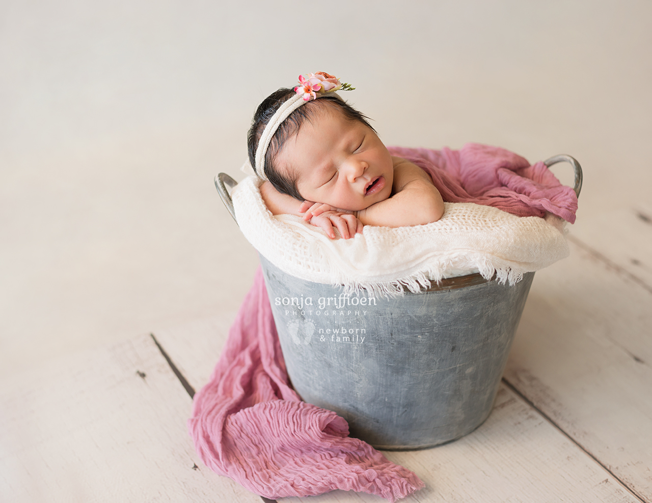 Harriet-Newborn-Brisbane-Newborn-Photographer-Sonja-Griffioen-03.jpg