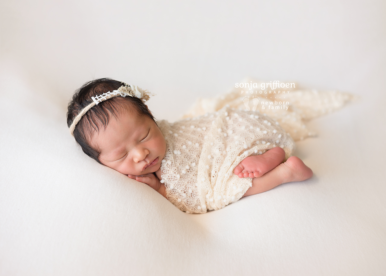 Harriet-Newborn-Brisbane-Newborn-Photographer-Sonja-Griffioen-11.jpg
