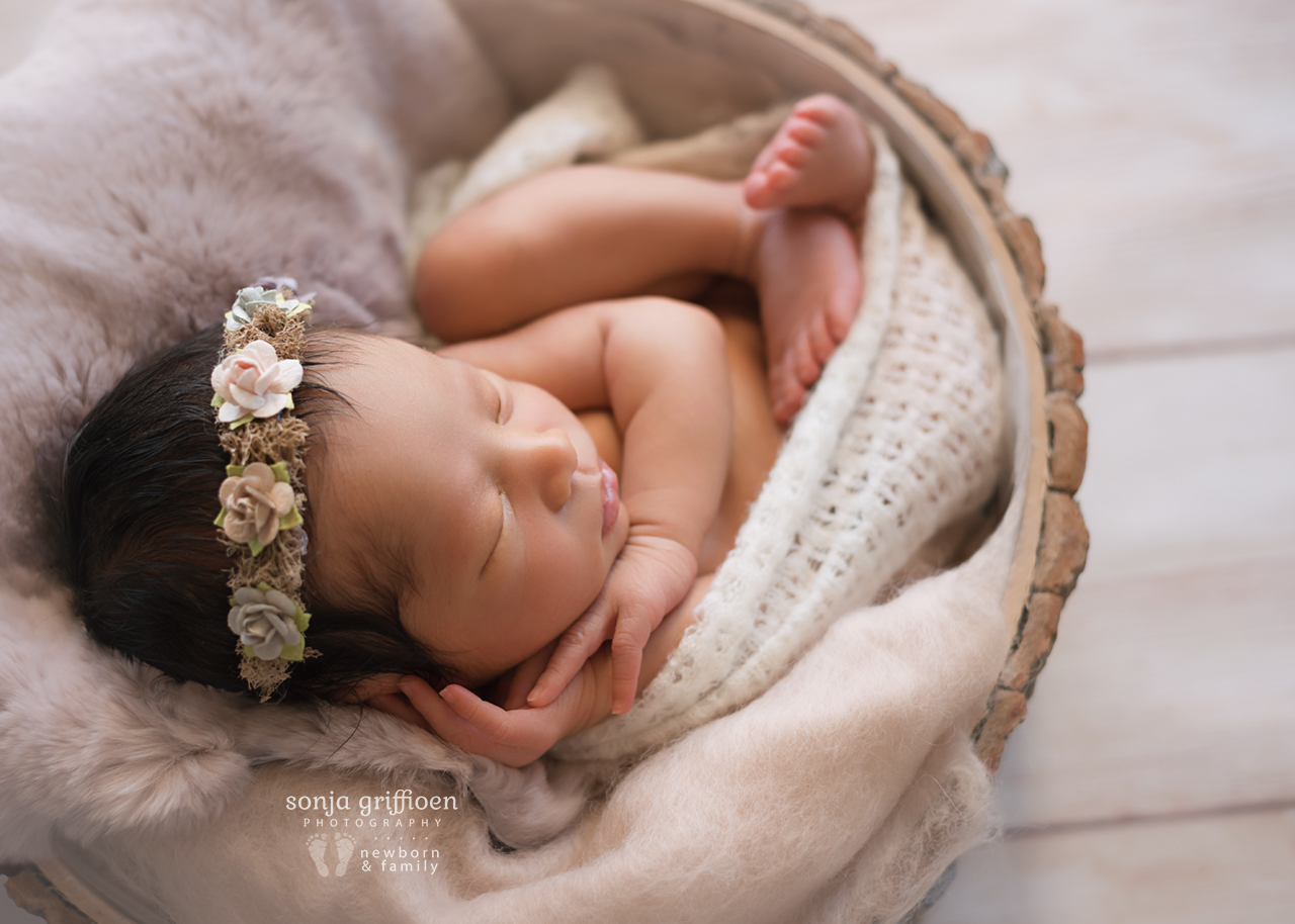Harriet-Newborn-Brisbane-Newborn-Photographer-Sonja-Griffioen-16.jpg
