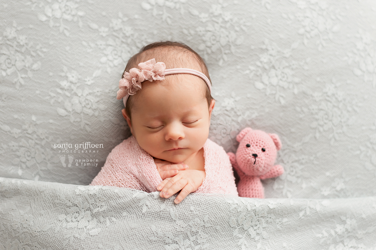 Hazel-Newborn-Brisbane-Newborn-Photographer-Sonja-Griffioen-011.jpg