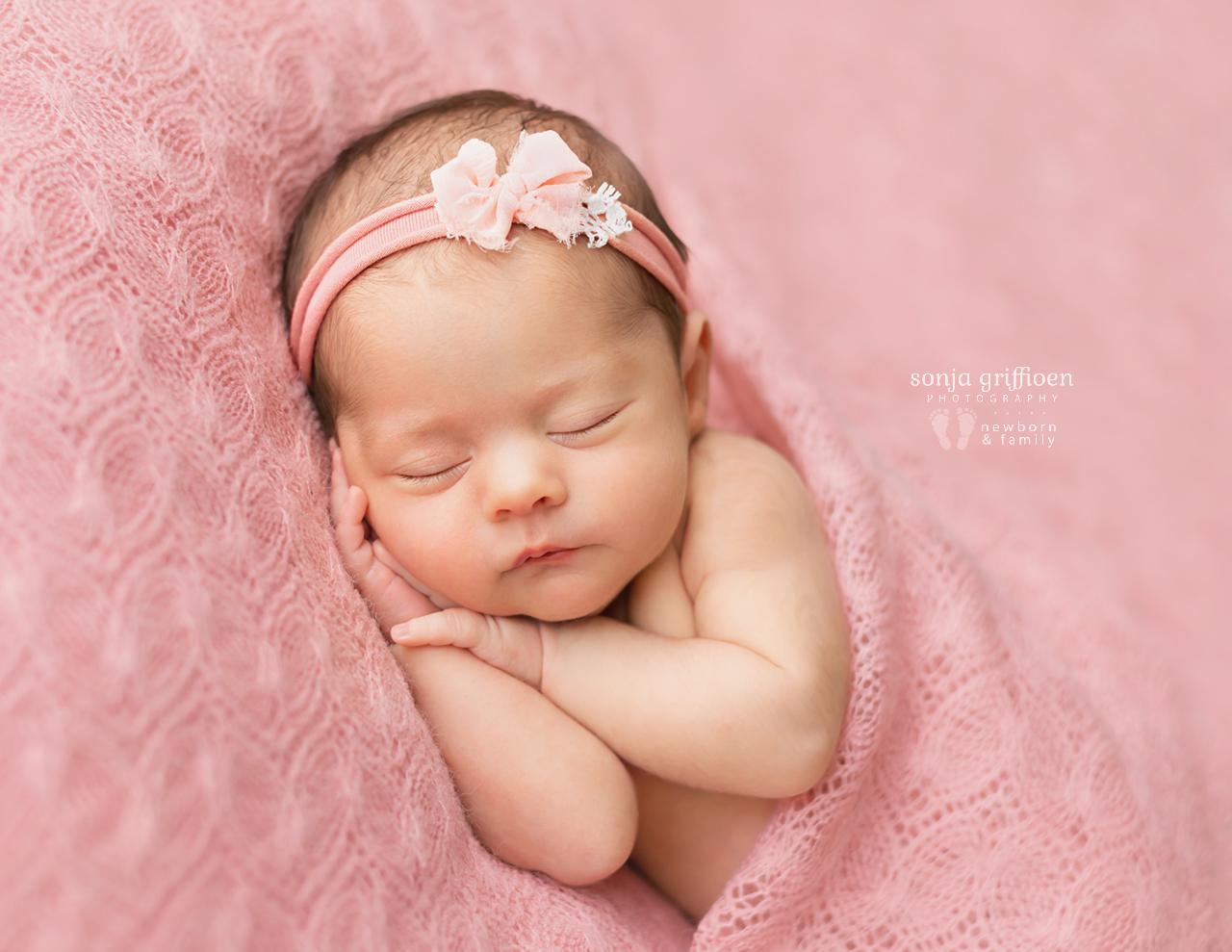 Hazel-Newborn-Brisbane-Newborn-Photographer-Sonja-Griffioen-09b.jpg