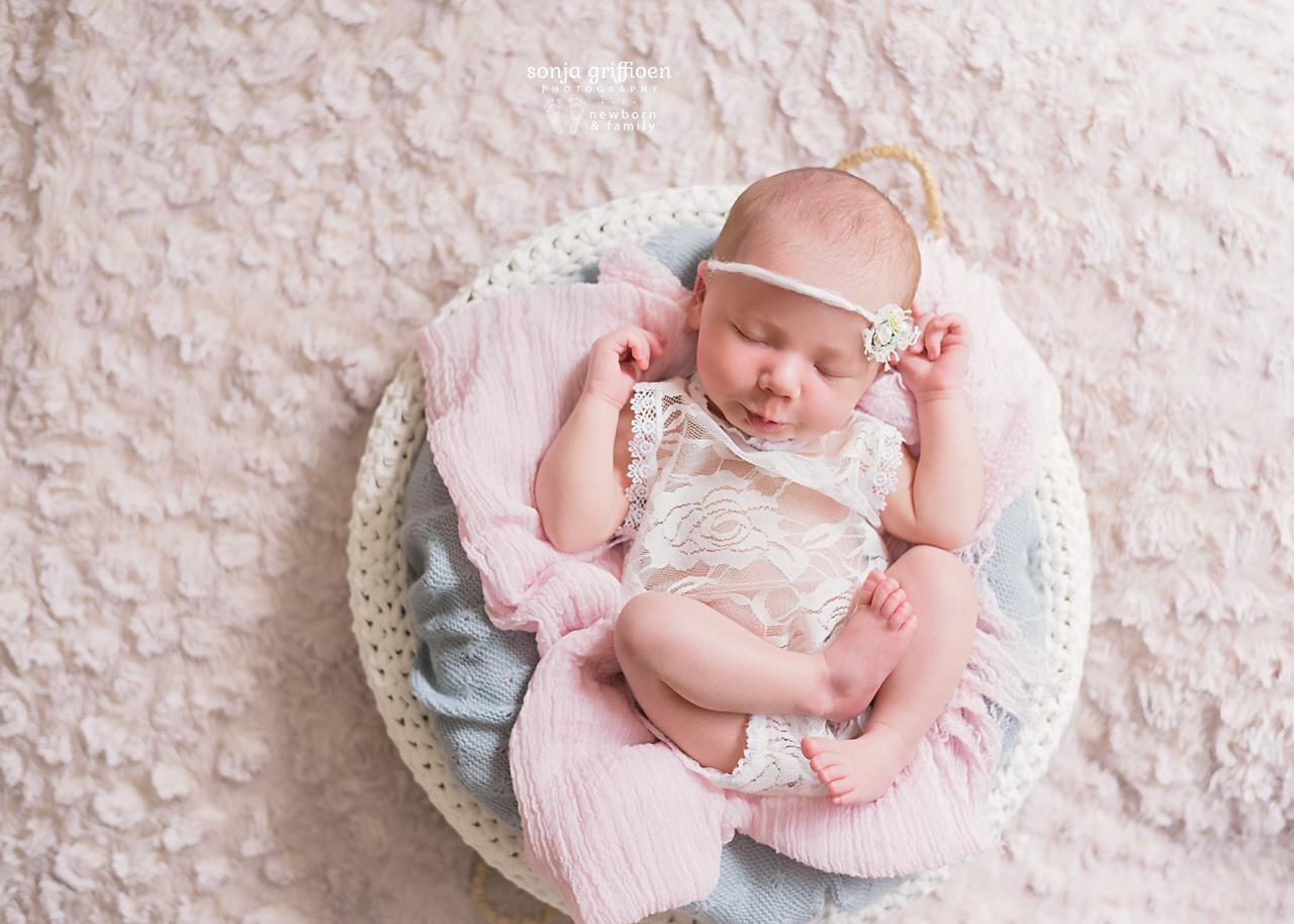 Isabella-Newborn-Brisbane-Newborn-Photographer-Sonja-Griffioen-20.jpg