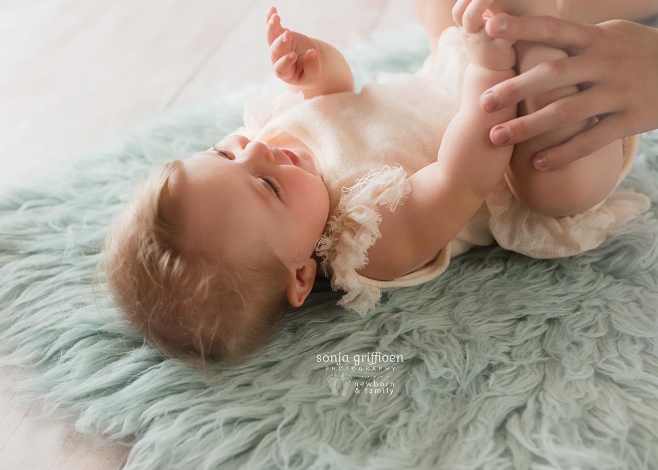 Isabelle-Milestone-Brisbane-Baby-Photographer-Sonja-Griffioen-05.jpg