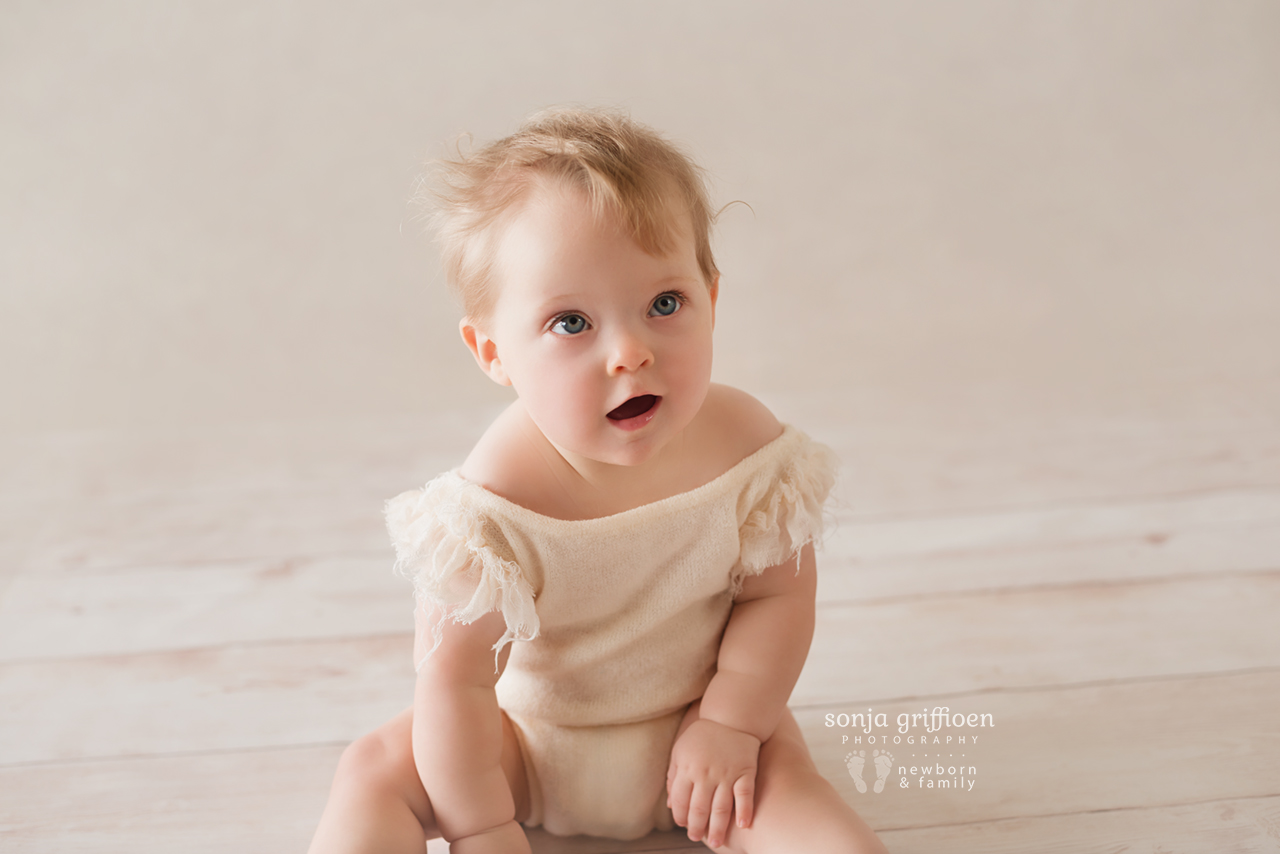 Isabelle-Milestone-Brisbane-Baby-Photographer-Sonja-Griffioen-14.jpg