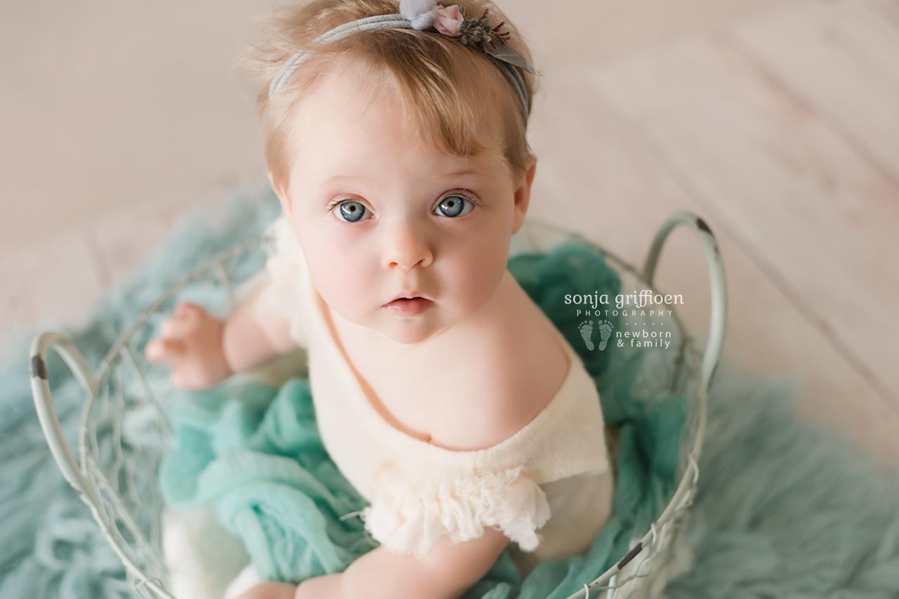 Isabelle-Milestone-Brisbane-Baby-Photographer-Sonja-Griffioen-16.jpg