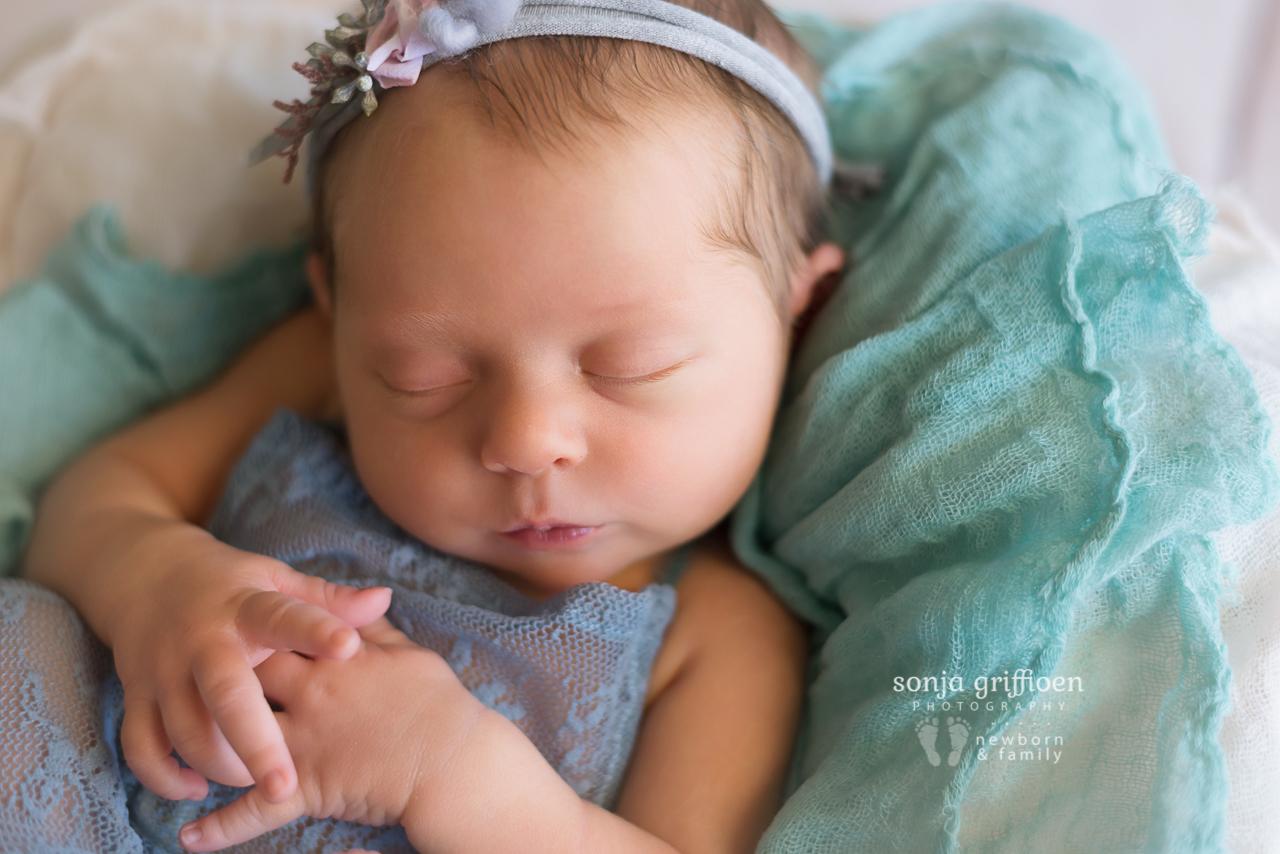 Isabelle-Newborn-Brisbane-Newborn-Photographer-Sonja-Griffioen-11.jpg